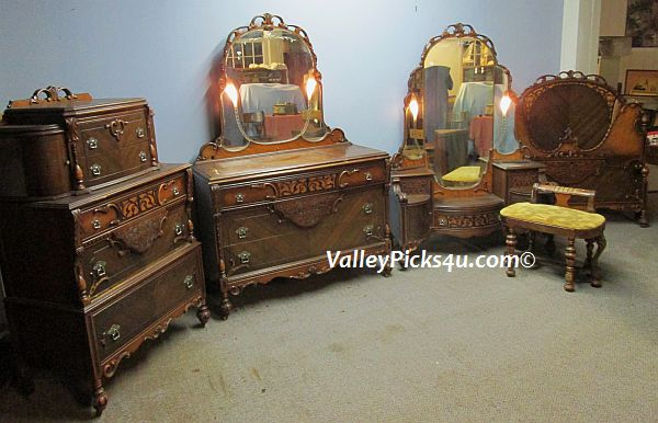 Antique Bedroom Set ~Lighted Mirrors Bed Vanity Highchest